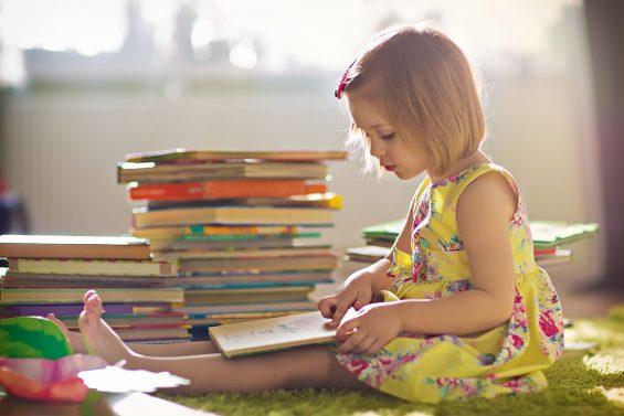 Çocuğunuzun Okumayı Öğrenmesine Nasıl Yardımcı Olabilirsiniz?