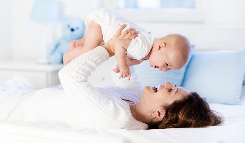 """Bebeğinizin """"Güvenli Bağlanma"""" Sağlayabilmesi için Neler Yapabilirsiniz?"""